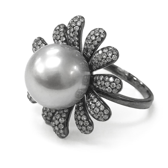 Tahitian Petal 18K White Gold Ring
