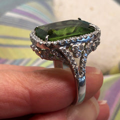 Peridot Dream 18K White Gold Ring