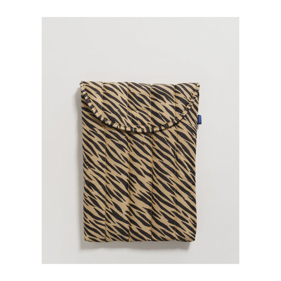 "BAGGU - Puffy Laptop Sleeve 13"" (Tiger Stripe) - MeMe Antenna"
