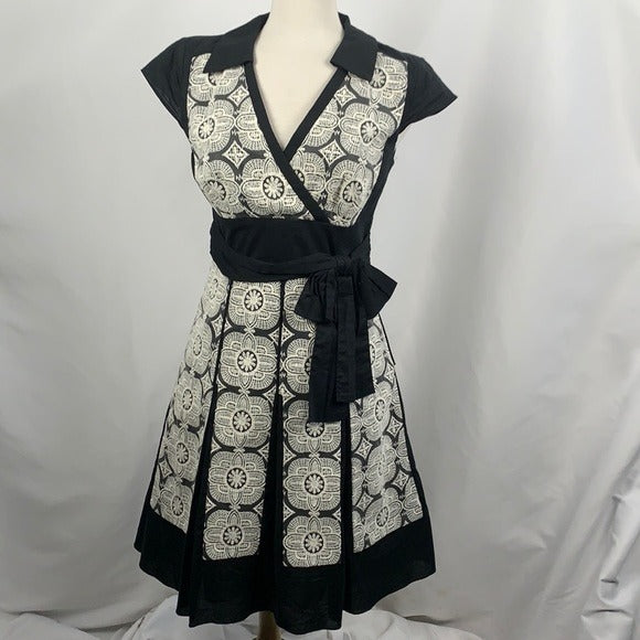 Kay Unger Black with White Lace Midi Dress
