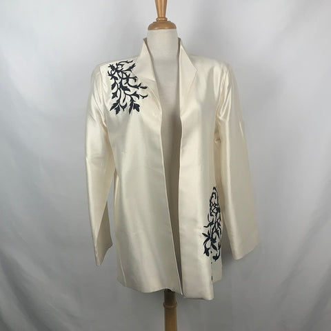 NEW Victor Costa Ivory with Black Embroidery
