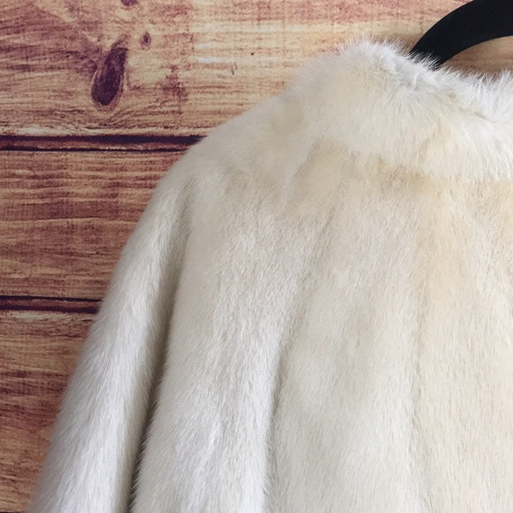 Vintage White Mink Fur Scallop Cape