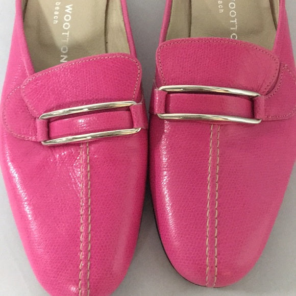 Stubbs and Wootton hot pink mules with buckle