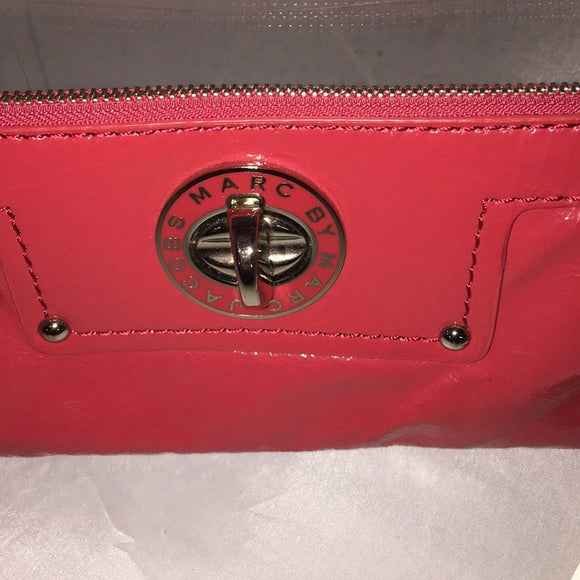 NEW Marc Jacobs Red Patent Wristlet
