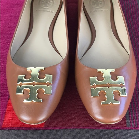 Tory Burch Tan Flats w Gold Logo