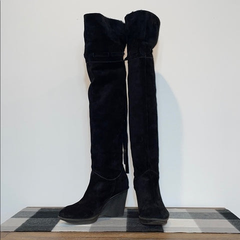 B Makowsky Black Suede Fleece Lined Wedge Boots