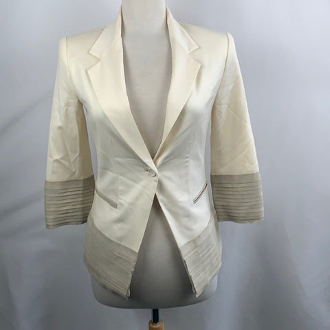 NEW Elizabeth and James Cream Blazer