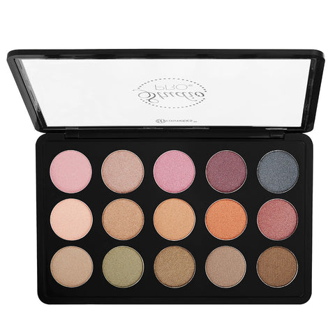 Studio Pro Dual Effect Wet/Dry Eyeshadow Palette