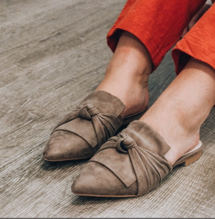 Knotted Dawn Vintage Havana Mule - FINAL CLEARANCE