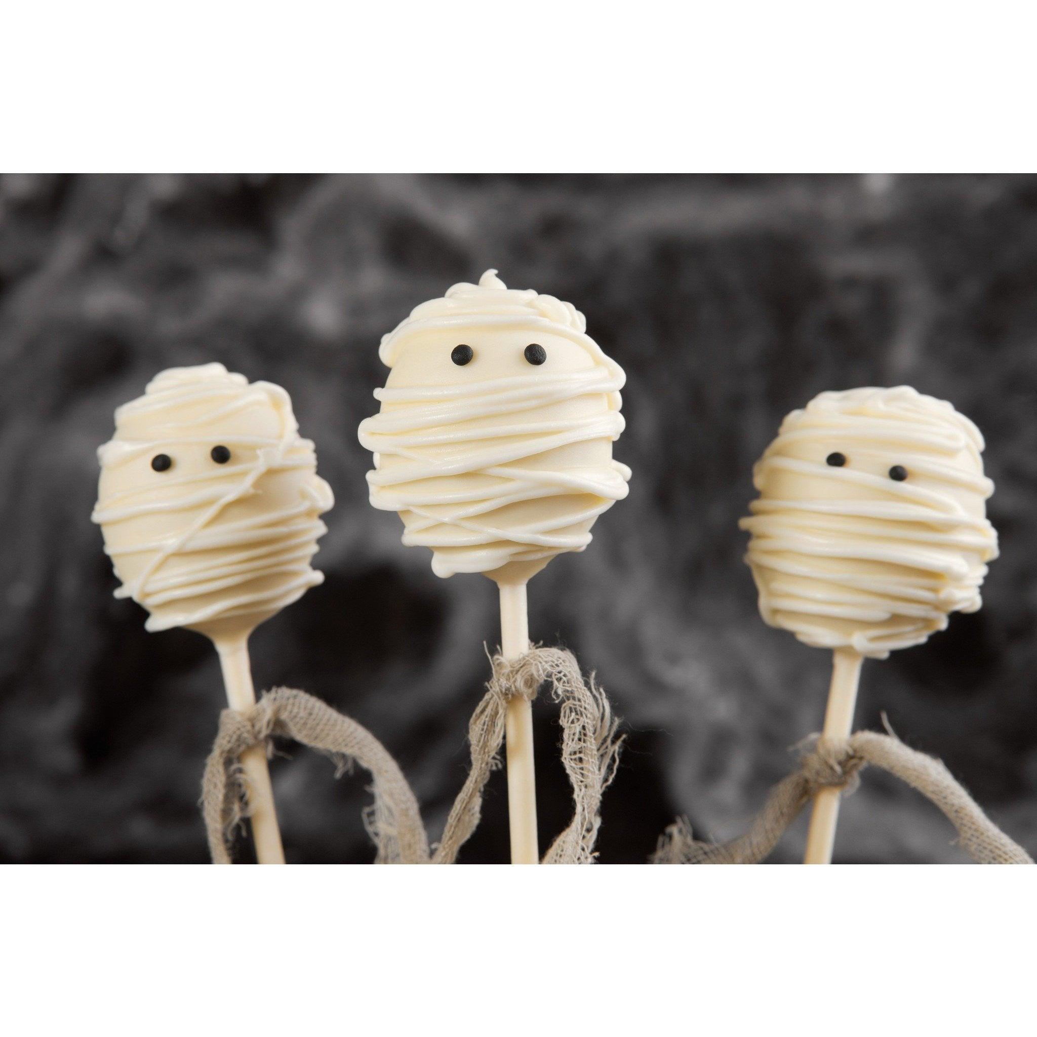Mummy Cake Pops For Halloween - Cake Pops Parties