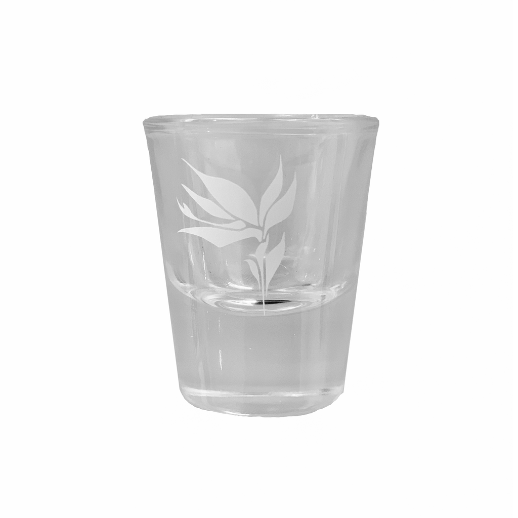 1oz clear shot glass with bird of paradise