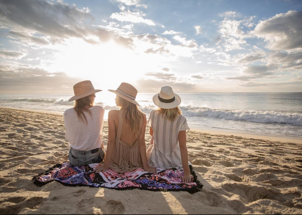 summer, beach lifestyle, organic, sustainable, eco friendly, local business, san diego, california lifestyle, summertime, 2019 summer, 2019 summer essential, travel towel, microfibertowel, luxurty towel , travel accessories, best travel towel