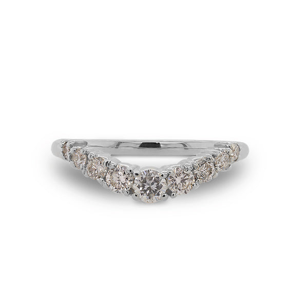 Front view of shadow band with 9 diamonds set in 14 kt white gold.