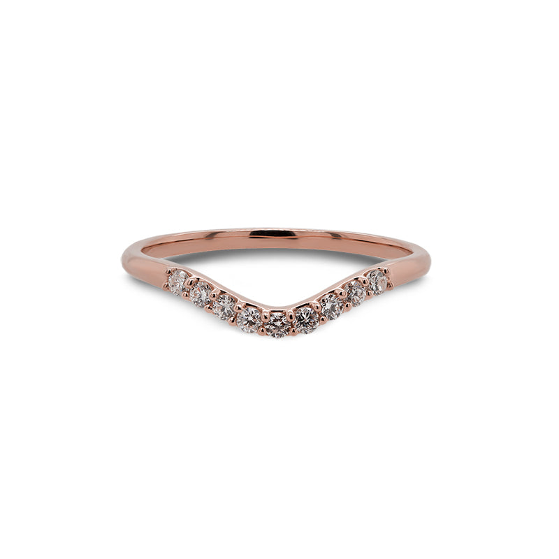 Front view of a shadow band with 9 round cut diamonds and set in 14 kt rose gold.