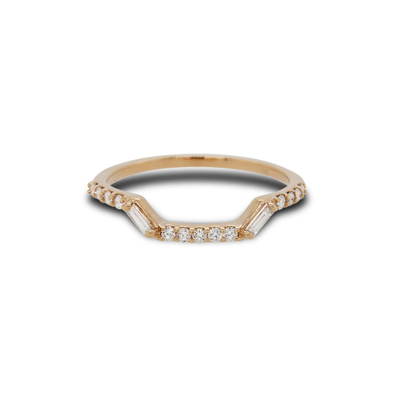 Front view of modern shadow band with 13 round cut diamonds and 2 baguette cut diamonds set in 14 kt yellow gold.