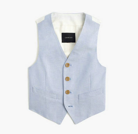This Crewcuts Ludlow suit vest in retro blue is made from lightweight cotton. The vest is lined, has welt pockets, and will make for a great addition to your next photo shoot or special occasion. Available for rent from The Borrowed Boutique.