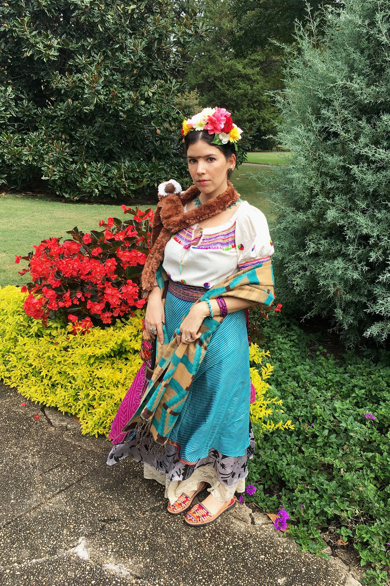 DIY Frida Kahlo Halloween Costume on the ShopMucho.com blog
