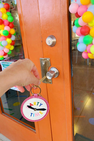 ShopMucho Party Time Clock Keychain