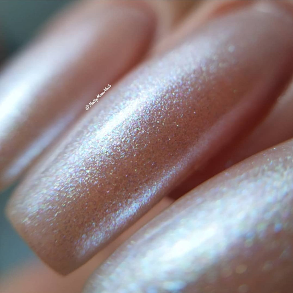 Pearlescent-nails