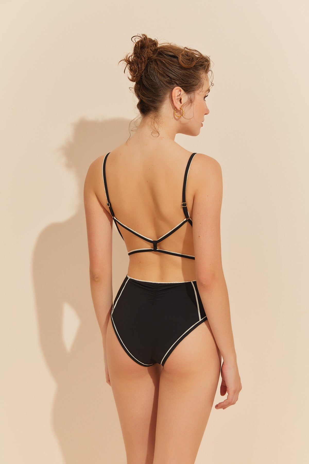 About Innocence One-piece - BLACK