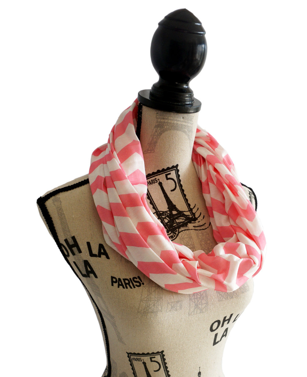 Nursing Cover - Breastfeeding cover Infinity Scarf Chevron Pattern - Pink - scarftopia