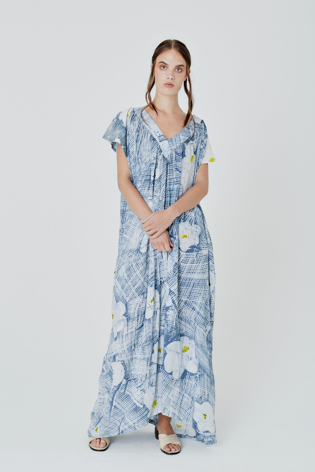 Muumuu Dress in Gauzy Daffs
