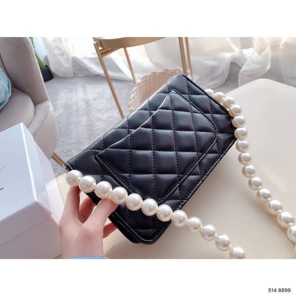 CHANEL Clutch with Imitation Pearls & Gold-Tone Metal Black