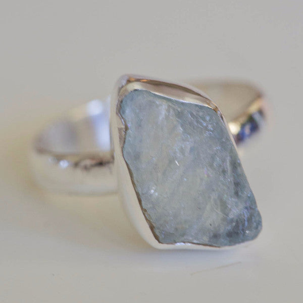Enit Raw Aquamarine Stone Ring - Silver Fox Foundry