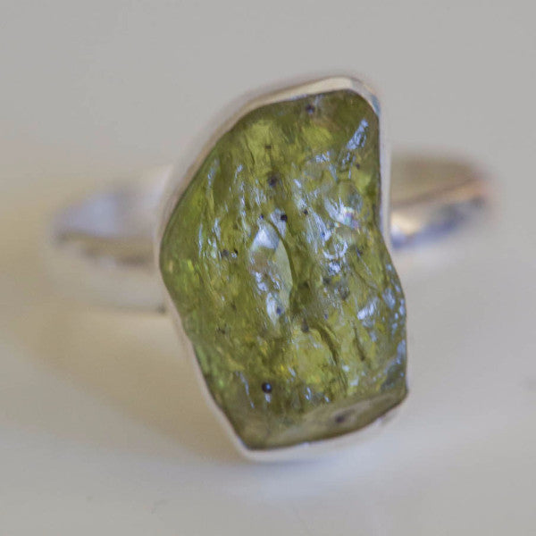 Riletta Raw Peridot Ring - Silver Fox Foundry