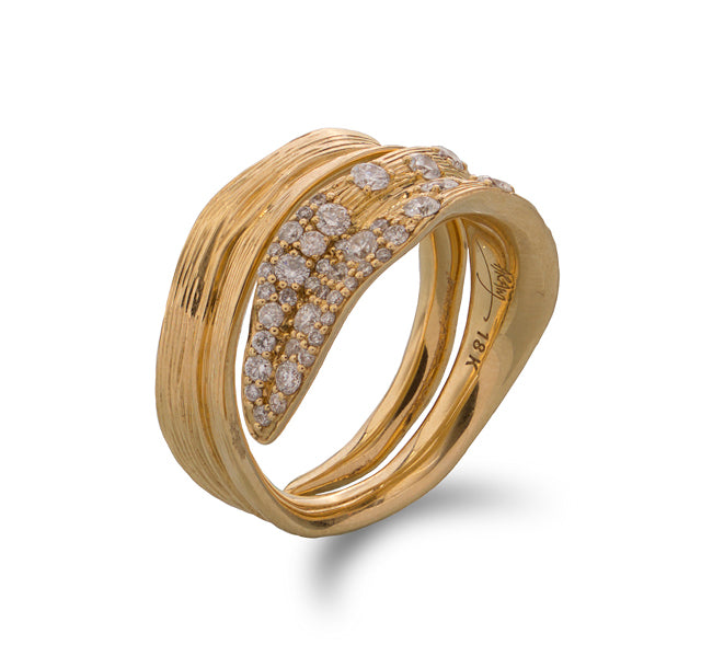 Palm Ring with Diamonds in Gold