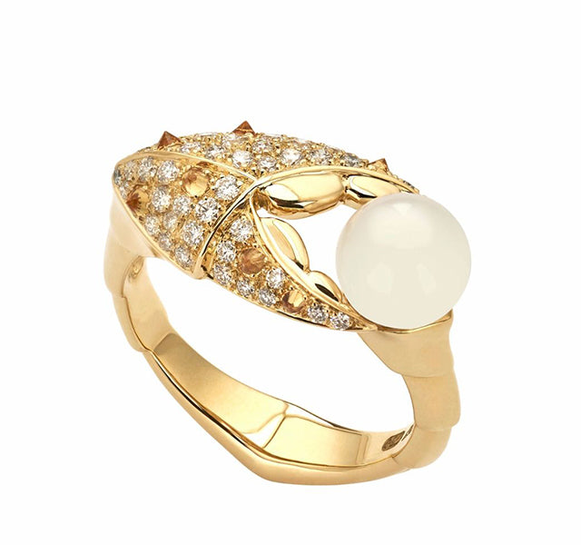 Crab Pincer Pearl 18k Yellow Gold Ring