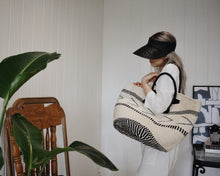 Load image into Gallery viewer, Femme Sisal Bag