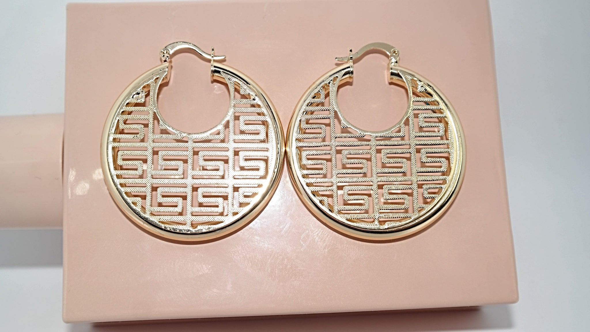 Lulu Hoop Earrings