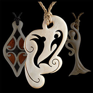 Lilach Paul - Wood, bone carvings and wearable art