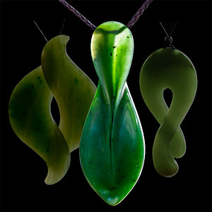 Omni Caeon - Jade carvings, wearable art and necklaces