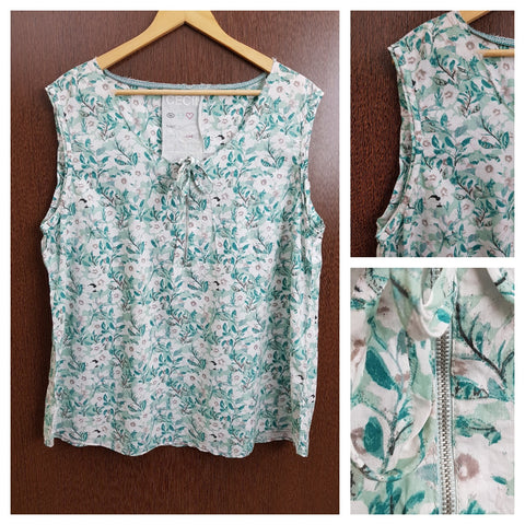 Casual Front Zipper Sleeveless Top - White Flowers on Green