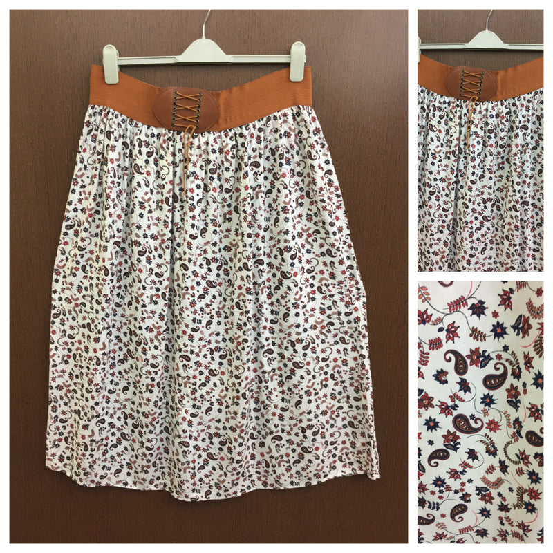 Broad Waist - Blue Red Printed White Skirt