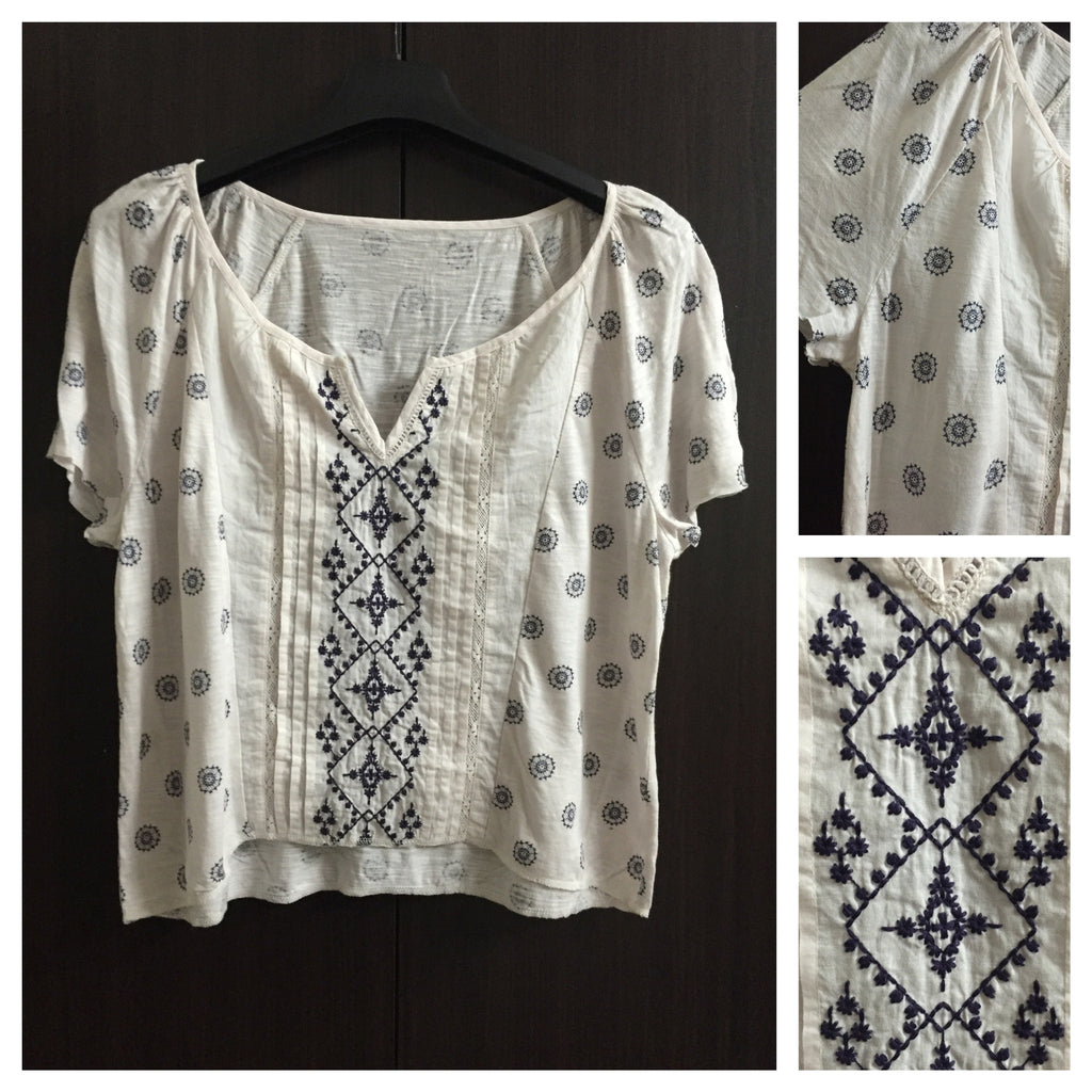 Comfy Fit - Cream Crop Top with Blue Embroidery and Print Design