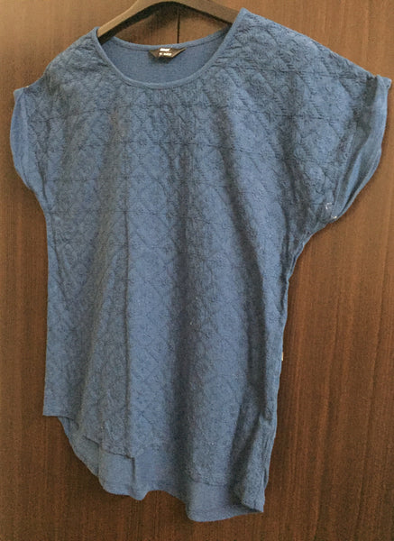 Front Thread-work Casual Top