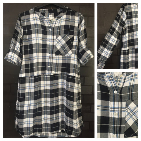 Shirtdress - Checks - Front Buttoned Black, White and Blue Shirtdress with string on waist and 2 side pockets
