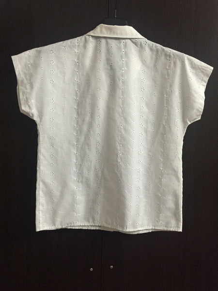 White Short Sleeves Shirt with little floral cutwork