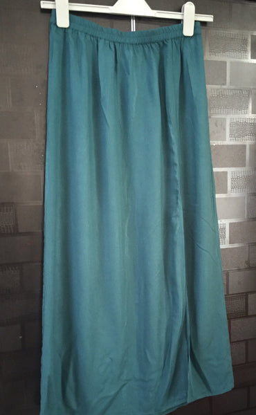 Elegant Green Long skirt with 1 side slit