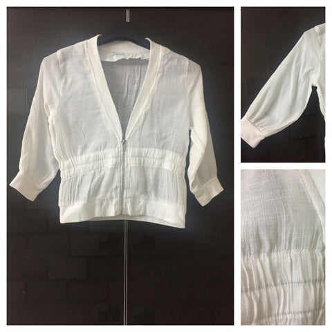 Fitted on Waist - Short White Shrug / Jacket