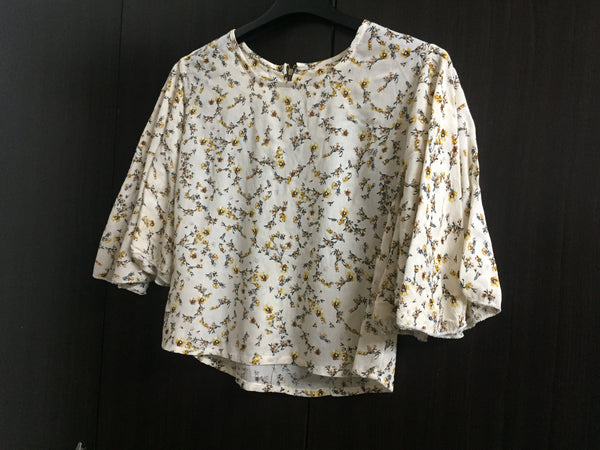 Light Yellow Short Floral Top with loose fun sleeves
