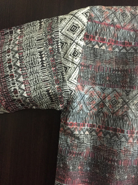 Geometric Print, 2 shades Tasseled Top