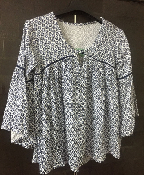 Fun Sleeved - Little cut-work lace - Blue Prints on White top