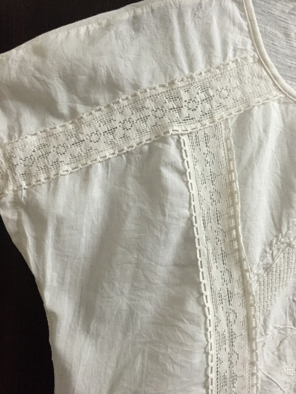 White Lace and Embroidery Short Sleeve Top