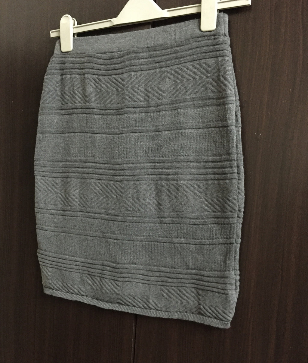 Grey Woven Knee Length Skirt