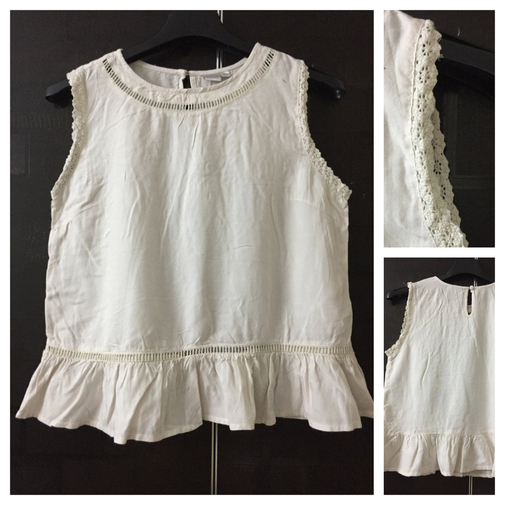 Casual off - White Sleeveless Top with cutwork and croatia