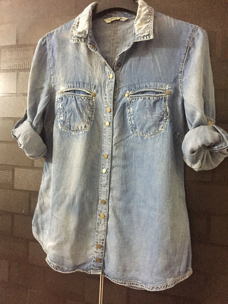 Soft Feel, Denim Shirt with buttons in pairs